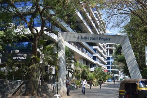 river crest apartments boat club road pune photos of residential societies in boat club road pune
