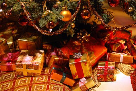 xmas presents   tree pictures   images  facebook tumblr pinterest