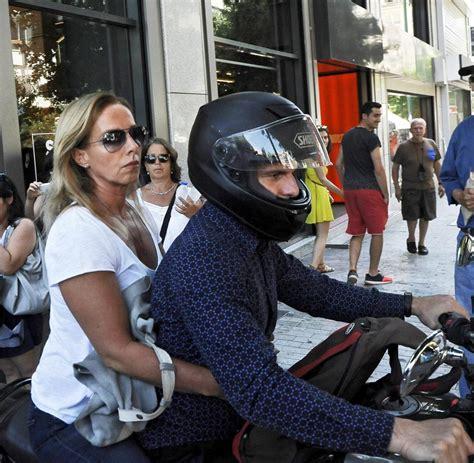 Welches Motorrad F Hrt Yanis Varoufakis by Janis Varoufakis Video Zeigt Seinen Coolen Abgang Nach