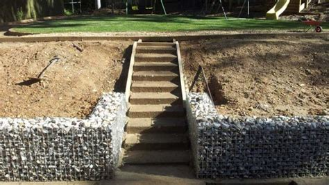 Design For Diy Retaining Wall Ideas 15 Diy Retaining Walls To Add Value To Your Landscape The Self Sufficient Living
