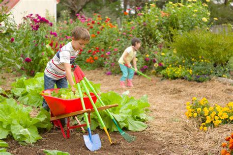 Kid Garden family gardens and gardening ideas hgtv