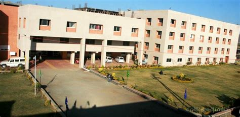 Chameli Devi College Indore Mba by Acropolis Technical Cus Indore Placements Companies