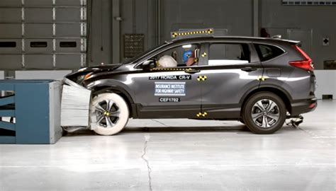 Honda Crv Crash Tests by Honda Cr V ใหม ร บคะแนนความปลอดภ ยยอดเย ยมจาก Iihs