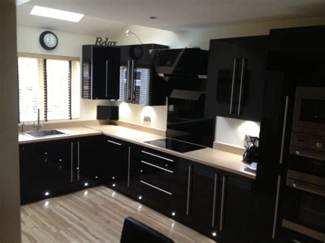black hi gloss acrylic kitchen d1kitchens the best in