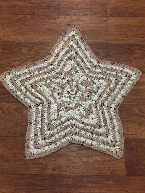crochet pattern for bags plastic texas star plarn crocheted rug made from plastic grocery