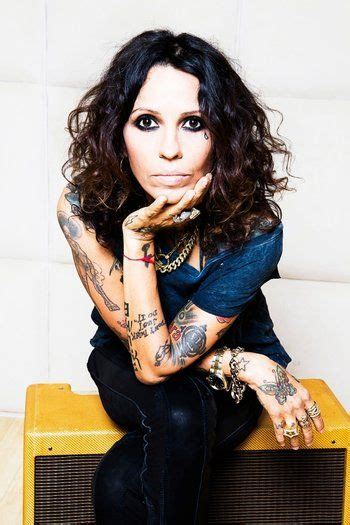 linda perry behind the music 45 best linda perry images on pinterest blondes culture