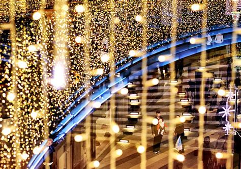 o holy lights christmas displays from around the world