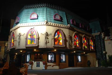 dracula s draculas gold coast cabaret theatre restaurant discount