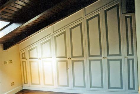 armadio su misura mansarda foto armadio per mansarda su misura di nuova arredaidee
