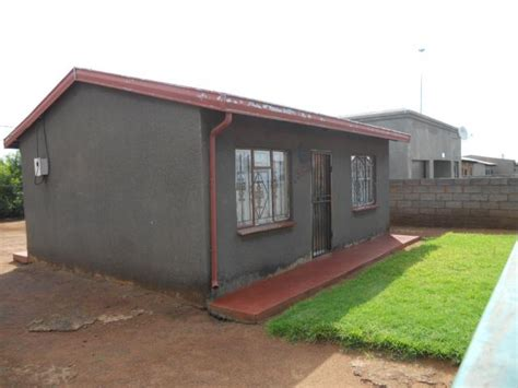 repo houses for sale standard bank repossessed 2 bedroom house for sale for sale in vosloorus mr29497