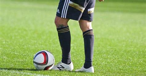 Team Set Volley Mizuno New November 2017 aaron ramsey unveils new balance football boots