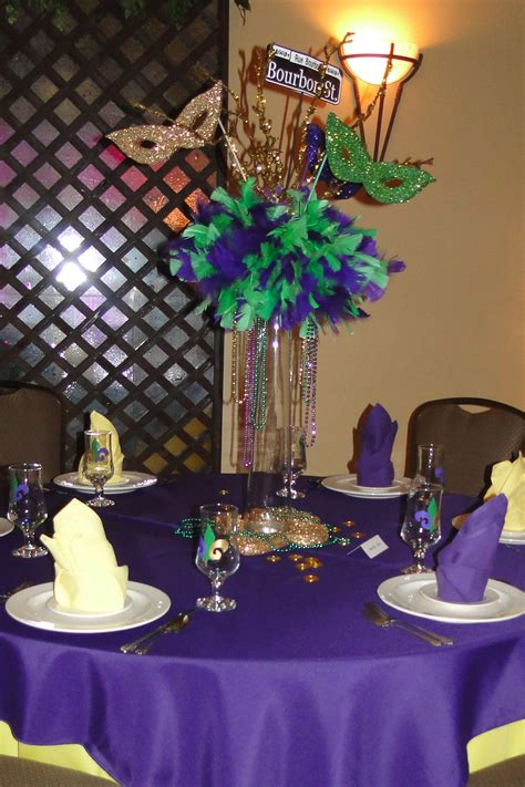 31 Days Of Weddings Day 20 Mardi Gras Themed All Mardi Gras Themed Centerpieces