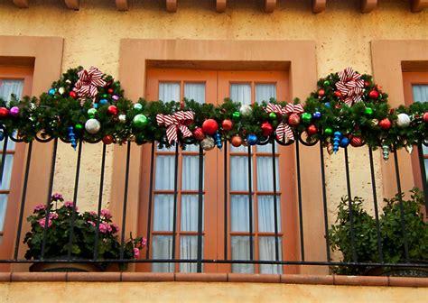 addobbi natalizi per porte e finestre addobbi natalizi per gli esterni delle hellohome it