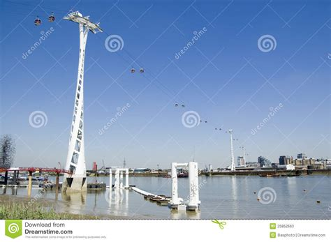 thames river valley cable river thames cable car london stock image image 25852663