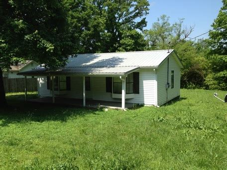 find a house for rent 2 bed 1 bath house for rent in cleveland tn 305 tennessee nursery rd 37311 find