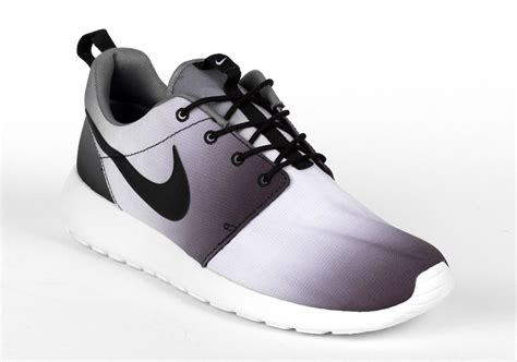 nike roshe run quot eclipse quot sneakernews