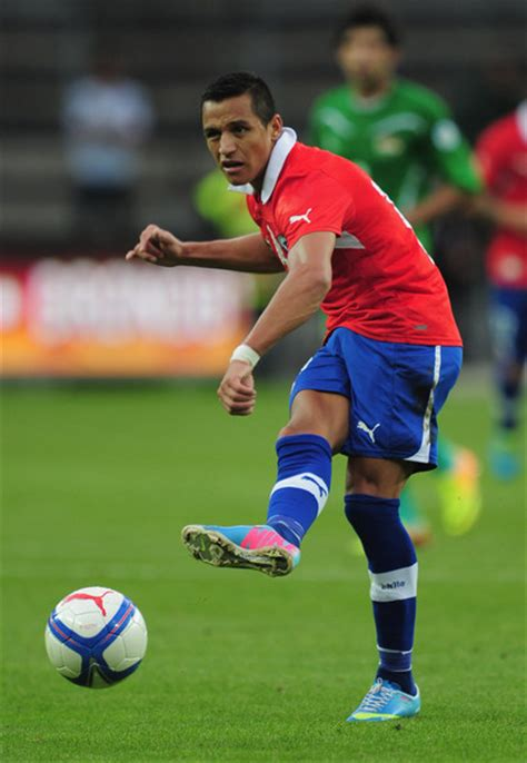 alexis sanchez goal for chile world cup group b preview can spain continue their
