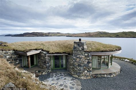 Luxury Scottish Cottages By The Sea by The Most Stunning Cliff Houses Available For Rent Daily