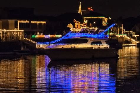huntington harbor cruise of lights huntington beach cruise of lights viewing guide