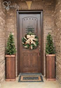 front door decorations ideas 38 stunning christmas front door d 233 cor ideas digsdigs