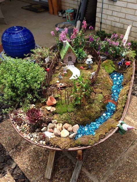 Wheelbarrow Garden Ideas Best 25 Wheelbarrow Garden Ideas On Wheelbarrow Planter Wheelbarrow And