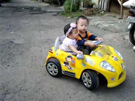Mainan Mobil Mobil Kecil Wheels anak kecil nyetir mobil