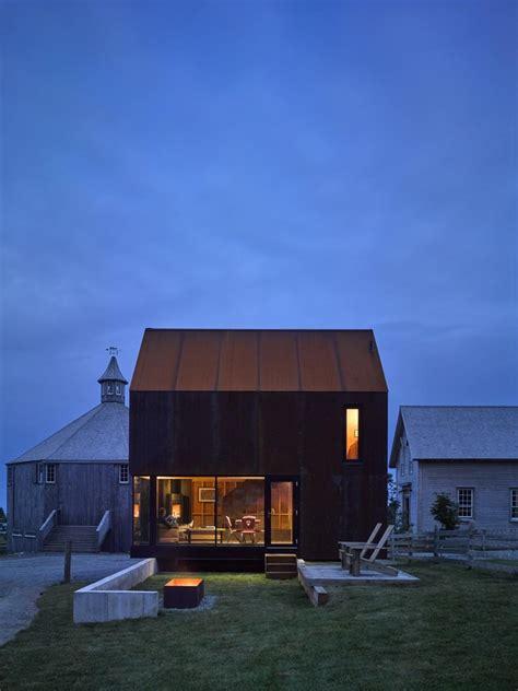 house steel clad cabin  nova scotia mackay lyons sweetapple architects