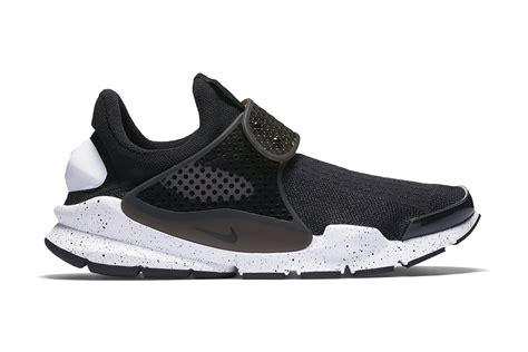 Nike Sock Dart White nike sock dart se in black white hypebeast
