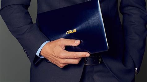 Laptop Asus Zenbook 3 Ux390ua Deluxe asus launches 14 inch zenbook 3 deluxe news opinion