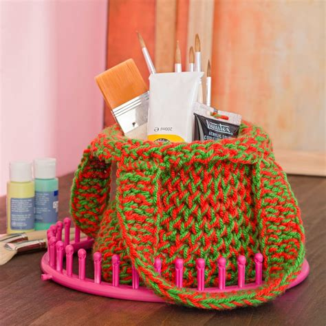 knitting loom projects this colorful loom knit tote puts the in shopping