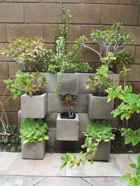 il giardino di cemento blocchi di cemento fioriti 20 idee per decorare il giardino