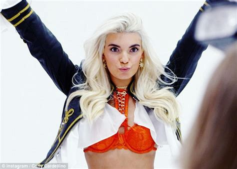 carly victorias secret carly cardellino lives like a victoria s secret model for