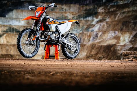 Ktm 300 Fuel Ratio Ktm Reveals Fuel Injected Two Stroke Motorcycles