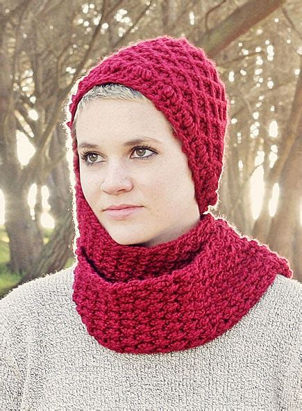 Hijab Knitting Pattern | chunky hood knitted scarf ideas with hijab girls hijab