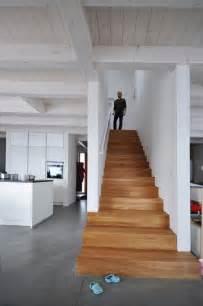treppe einfamilienhaus die besten 25 treppenaufgang ideen auf