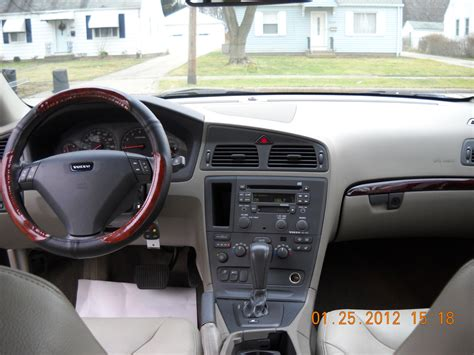 Volvo S60 2002 Interior by 2002 Volvo S60 Pictures Cargurus