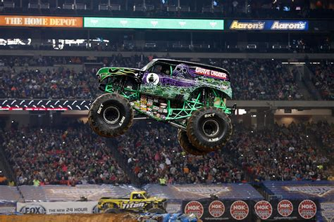grave digger truck wiki grave digger 27 trucks wiki fandom powered by