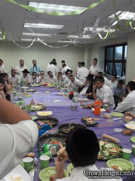 Celebrates Birthday With Class by Class Celebrates Birthday Of Beloved Maggid Shiur