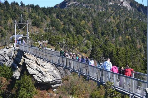 grandfather mountain mile high swinging bridge mile high swinging bridge picture of grandfather