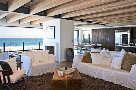 Ordinary Houses With Big Backyards #6: Pacific-ocean-in-the-backdrop-of-the-malibu-celeb-beach-house.jpg