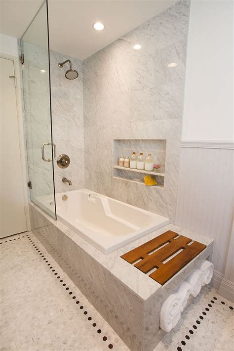 half glass shower door for bathtub 25 best ideas about tub glass door on pinterest shower