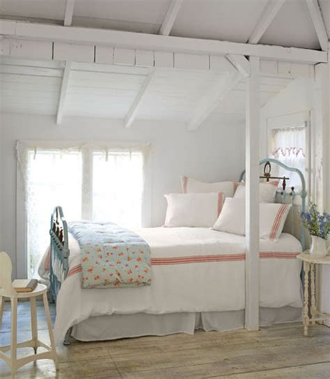how to make your bedroom cosy 18 cozy bedroom ideas how to make your room feel cozy