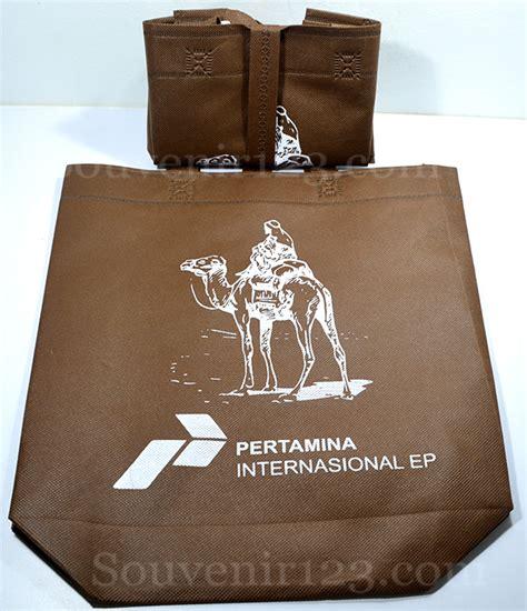Souvenir Goodie Bag Kemeja Baju Hitam 1 barang promosi souvenir promosi souvenir perusahaan usb