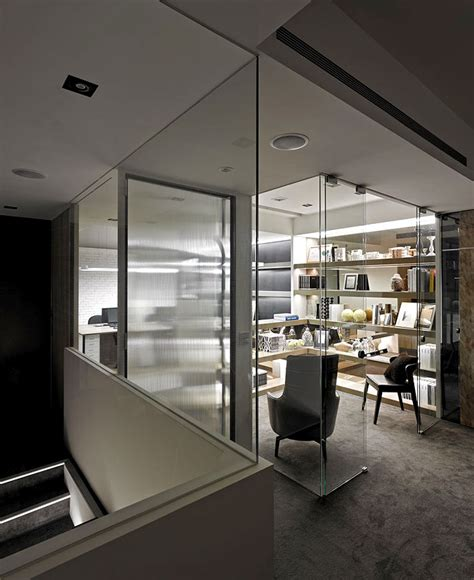 Modern Office Room Interior by Office Space Design By Dachi International Design