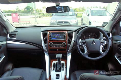 Kunci Kontak Mobil Mitsubishi review interior mitsubishi all new pajero sport indonesia