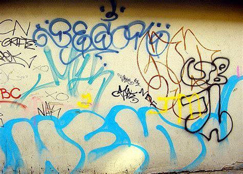 a graffiti tag roxas s guide to the wide world of graffiti tagging