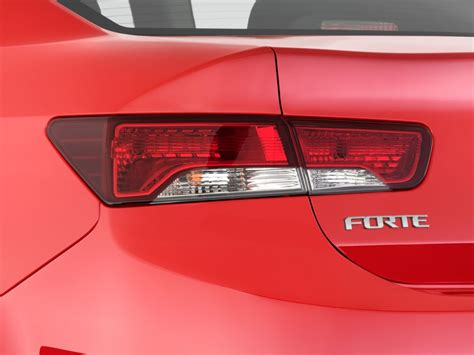 2011 kia forte sedan tail lights image 2011 kia forte koup 2 door coupe auto sx tail light