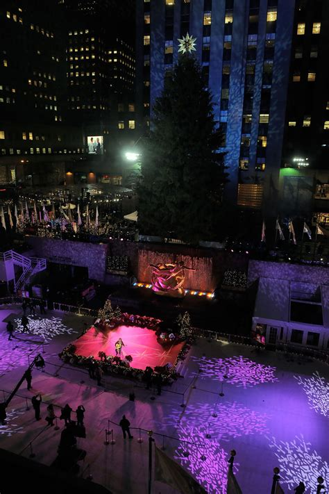 Jose Feliciano In Rockefeller Center Christmas Tree When Is The Rockefeller Tree Lighting