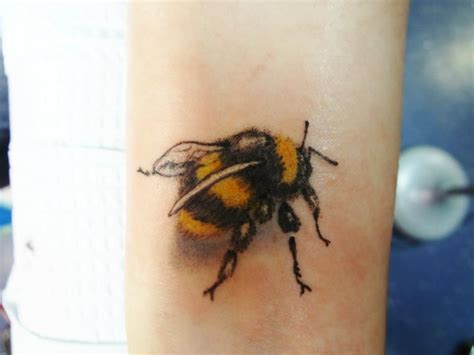 bumble bee tattoos designs wonderful realistic yellow and black bee for