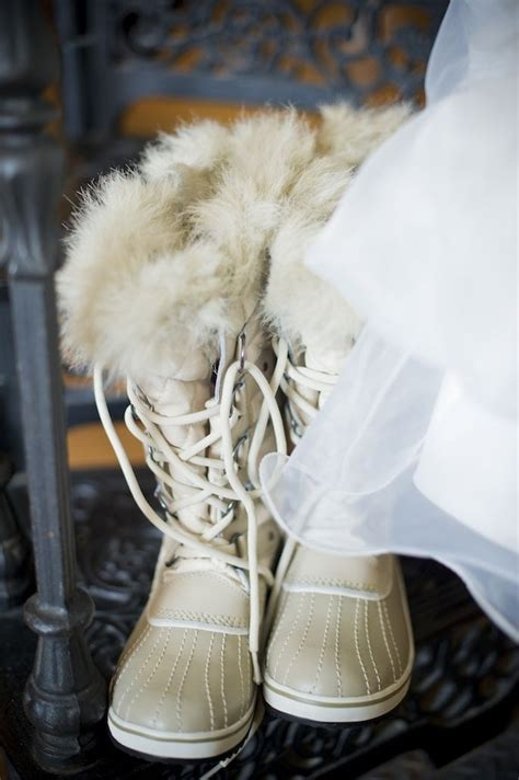 picture of awesome winter wedding shoes and boots youll